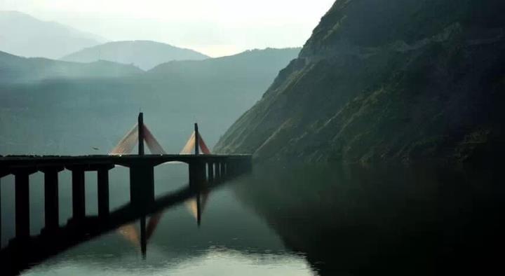 四川雅西高速-让外国人看傻的祖国逆天工程?
