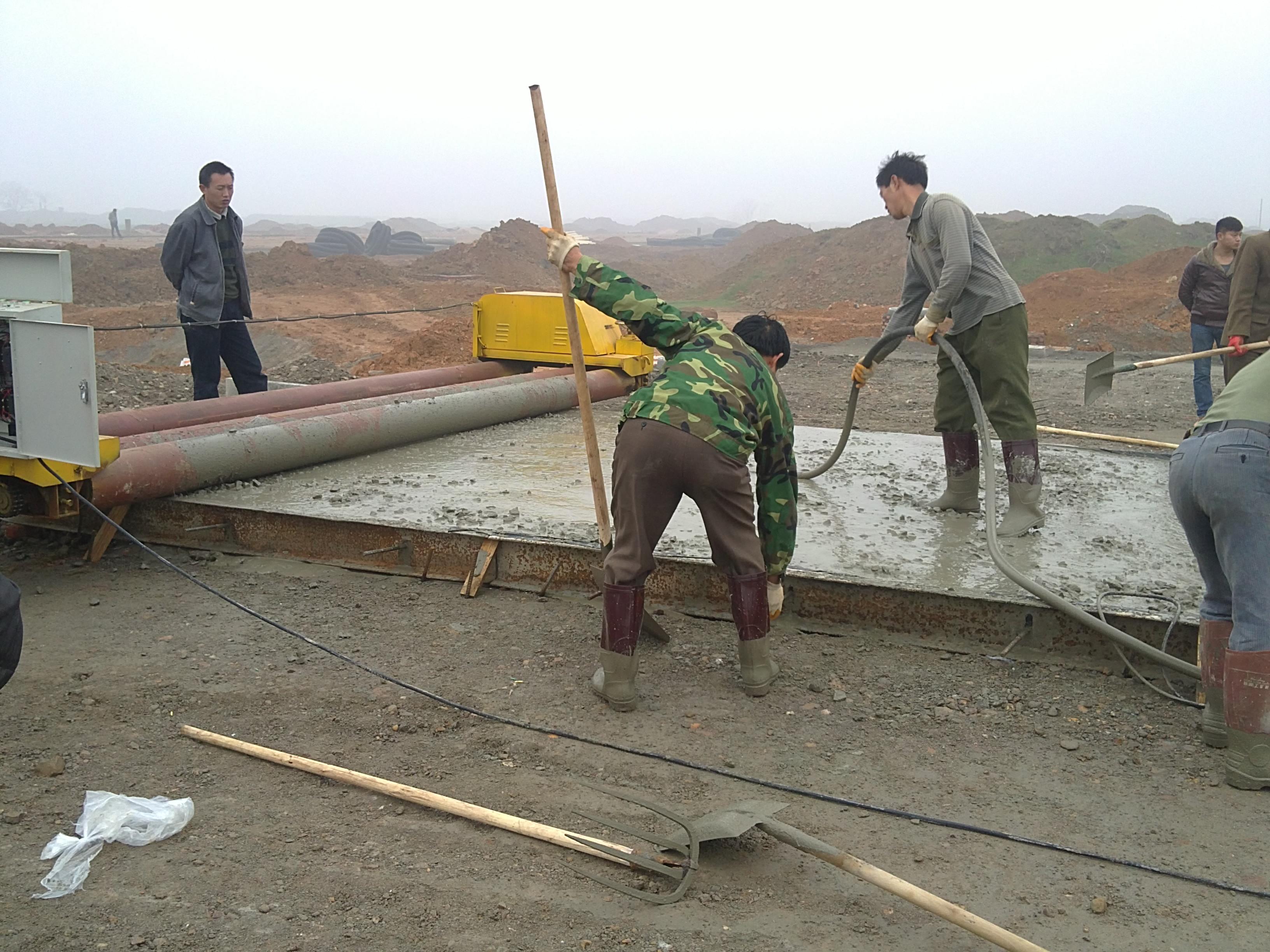 关于水凝混凝土路面施工的问题?